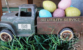 Distress Glitter Eggs by Tim Holtz | www.timholtz.com