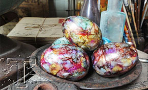 Alcohol Ink Eggs by Tim Holtz | www.timholtz.com